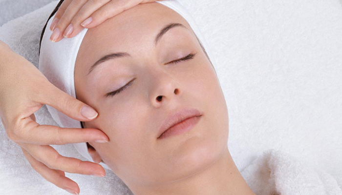 Facial Treatment Los Angeles - Deep Cleansing Facial Los Angeles